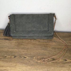 Handbags - Boutique Crossbody gold chain